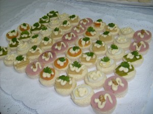cocteleria fina eventos fiestas celebraciones cumpleaños pastelitos vinos