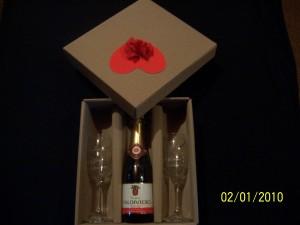 champagne y copas grabadas personalizadas
